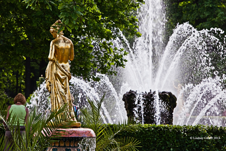 another statue and fountain.